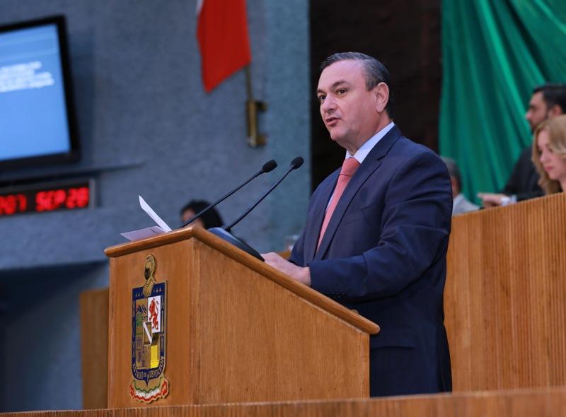 Héctor García presentó el dictamen como Presidente de la Comisión de Legislación